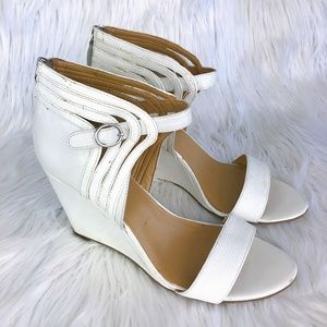 ☝🏻White Leather Wedge Sandals☝🏻